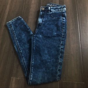 American Eagle High-Waisted Jeans👖